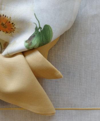 Tovaglietta di lino plastificato con cordonetto