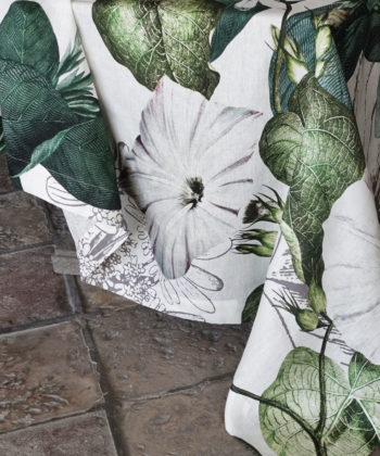 "Linen tablecloth ""Knighthia"""